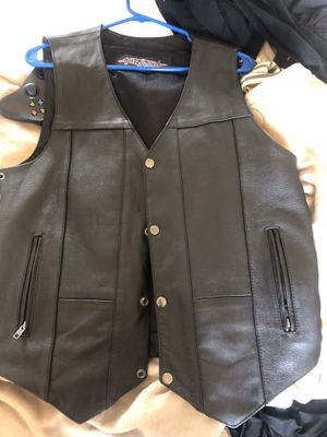 Street & steel motorcycle leather vest for Sale in Corona, CA