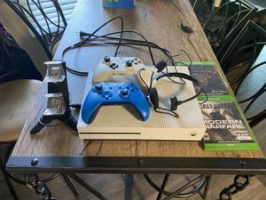 Xbox one bundle (adult owned) for Sale in Fremont, CA