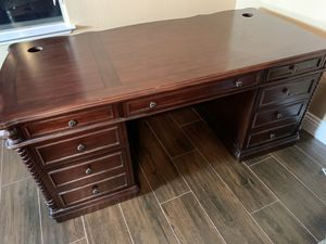 Executive desk heavy duty high end furniture for Sale in Las Vegas, NV
