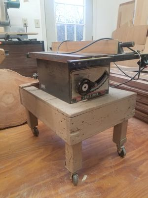 10 inch craftsman table saw. 110 /220 1 horse. for Sale in Sarver, PA