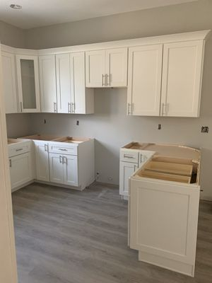 Kitchen cabinets for Sale in Pinellas Park, FL