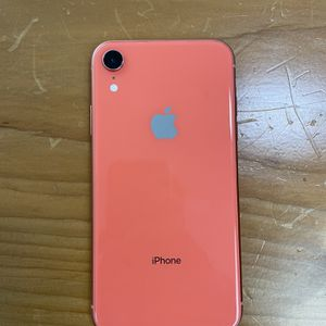 iPhone XR At&T Good Condition Clean for Sale in Fort Worth, TX