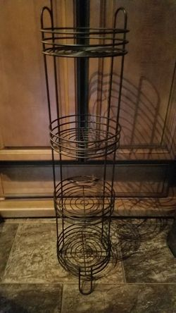 Pick up in Buda Texas round Shelf perfect for a bathroom or small spaces Wire shelf 37 in T x 9 in W x 9 in. D for Sale in Lockhart,  TX
