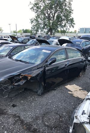 Selling parts for a black 2011 Hyundai Sonata STK#1373 for Sale in Warren, MI