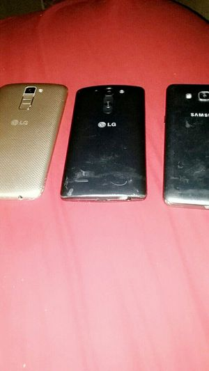 Lg phones nd a samsung for Sale in Sanger, CA