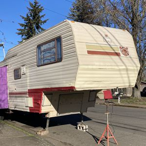 1983 Regal 36ft Trailer for Sale in Saint Paul, OR