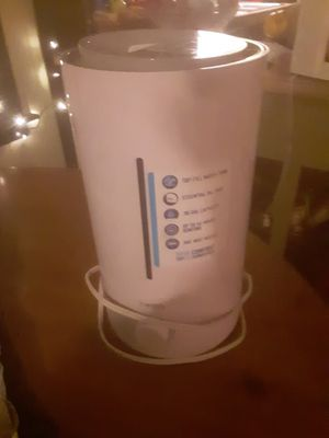 Homedics humidifier with oil dispenser for Sale in Glen Raven, NC