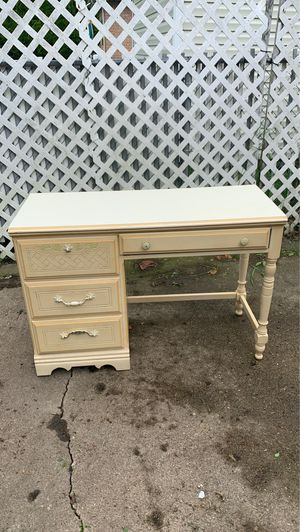 Wood desk antique for Sale in Wheeling, IL