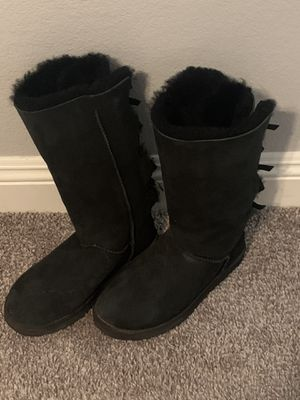 Bailey bow ADULT uggs for Sale in Peoria, AZ
