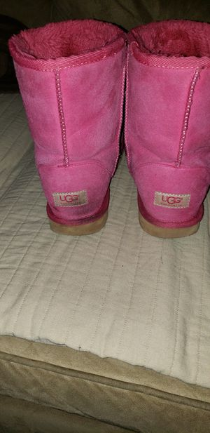 Pink UGG boots classic tall 5825 size 9 for Sale in Arnold, MO