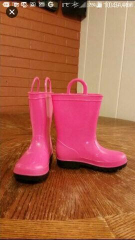 Girls Size 9 Rain Boots for Sale in Lebanon, TN