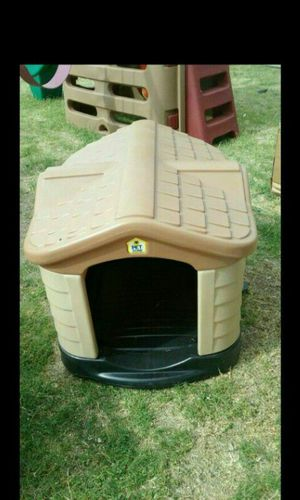 Small Breed Dog House Excellent Condition for Sale in Phoenix, AZ