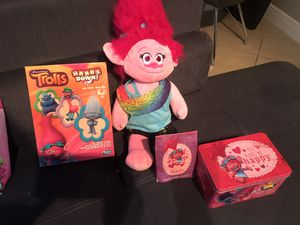 Trolls set -singing Poppy, puzzle, game and keepsake box for Sale in Pembroke Pines, FL