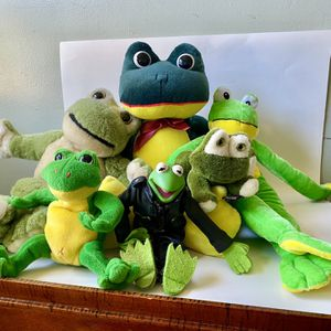 Group of Six Plush/ Stuffed animal Frogs for Sale in Berea, OH
