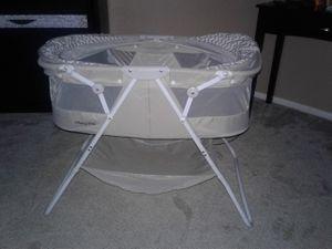 Grey bassinet for Sale in Maricopa, AZ