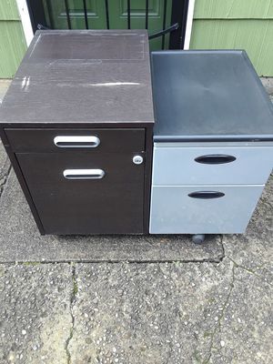 ***FREE*** Pick up pending- Small file cabinets. for Sale in Vancouver, WA