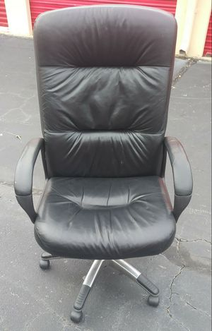 Very Nice Black Leather Rolling Office Chair for Sale in Norcross, GA