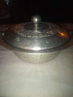 Vintage hand wrought everlast aluminum pot for Pyrex insert for Sale in Wakeman, OH