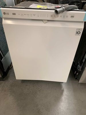 LG 24 in. Front Control Built-In Tall Tub Dishwasher in White with QuadWash for Sale in Whittier, CA