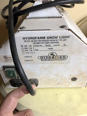 HydroFarm HPS grow light and extra bulbs for Sale in Norwood, MA