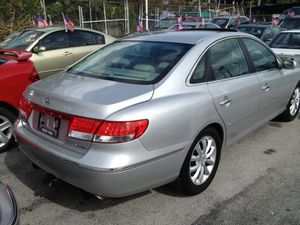 2006 Hyundai Azera extra clean for Sale in Miami, FL