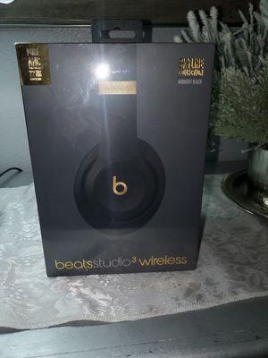 Beats studio 3 wireless for Sale in Apple Valley, CA