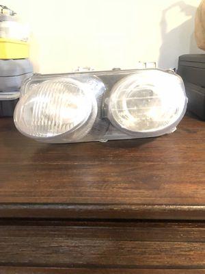 Acura Integra Head light for Sale in Brooklyn Park, MD