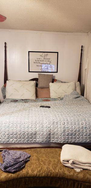 Kingsize bedroom set, mattress not included for Sale in Macon, GA