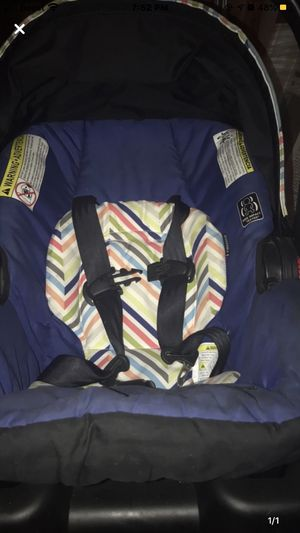 Car seat for Sale in New Paris, IN