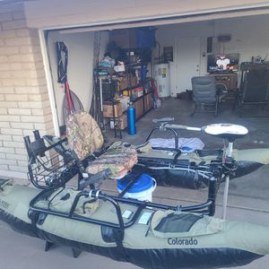 Inflatable 9' pontoon boat for Sale in Phoenix, AZ