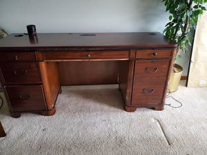 Cherry wood desk for Sale in Swansea, IL