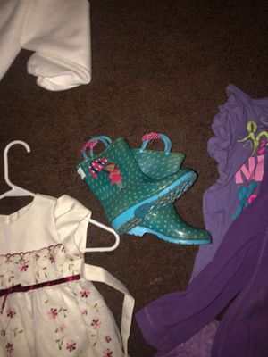 Size 10 rain boots clothes 3t and up to 6 yrs for Sale in San Jacinto, CA