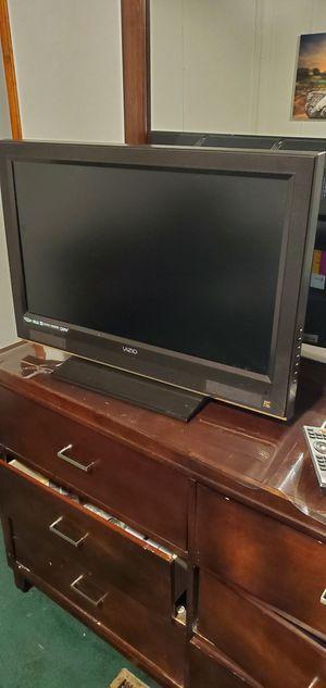 32 inch Vizio tv for Sale in Kinston, NC