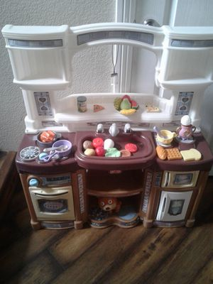 Beautiful step 2 kitchen for Sale in North Las Vegas, NV