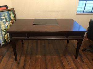 Desk and chair for Sale in FL, US
