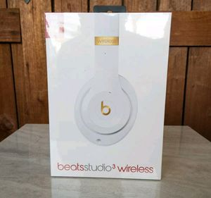 Beats Studio 3 Wireless Headphones White for Sale in Clovis, CA