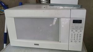 Microwave in good conditions for Sale in Salt Lake City, UT