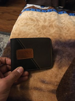 Gucci wallet for Sale in Galloway, NJ