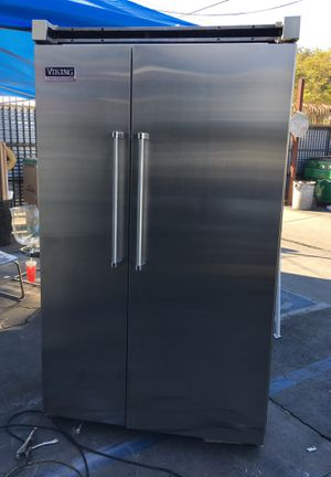 "Viking Professional 48"" Built In Fridge for Sale in Diamond Bar, CA"