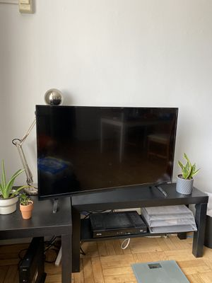 "40"" VIZIO FLATSCREEN TV for Sale in Arlington, VA"