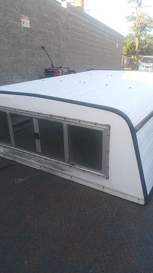 """Hitchin camper 5' wide by 6' 4"""" long for Sale in Beaumont, CA"""