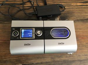 CPAP Machine ResMeds S9 H5i Heated Humidifier comes with tube and mask but no bag for Sale in Katy, TX