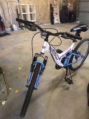 """24"""" wheel girls mountain bike w front n rear shocks for Sale in Lake Wales, FL"""