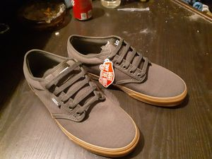 VANS Men's Atwood Low Top Sneaker Size 10 for Sale in Lynnwood, WA