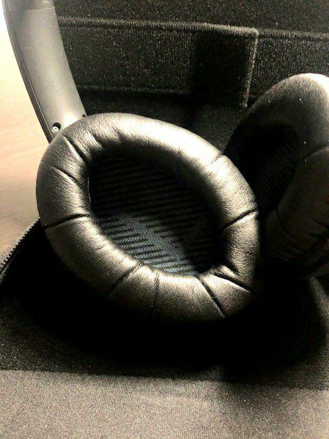 Bose Around Ear Wireless Headphones II. $120 OBO