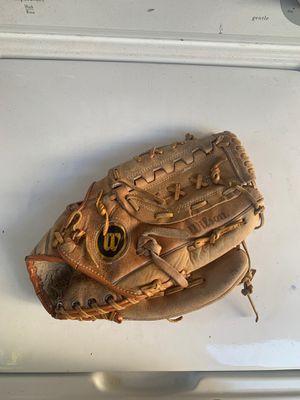 Wilson Baseball Glove 5$ for Sale in San Diego, CA