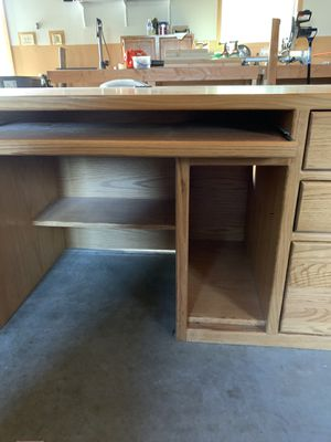 Solid oak desk for Sale in Vancouver, WA