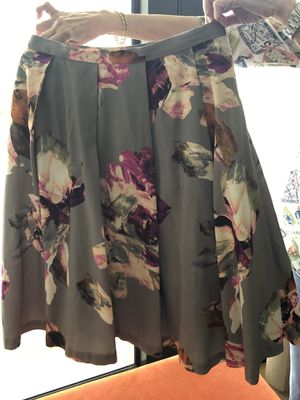 Trina Turk pleated petticoat evening skirt sz 8 for Sale in Delray Beach, FL