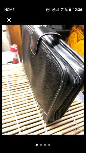 Leather Case Logic CD Holder for Sale in Vallejo, CA