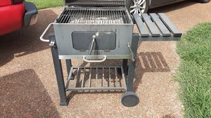 Charcoal grill for Sale in Smyrna, TN